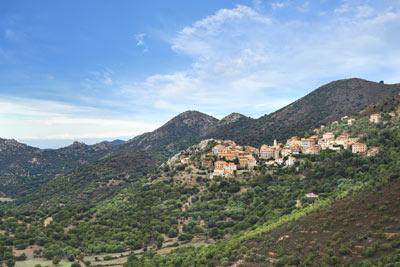 Village de Balagne (Haute-Corse)©Antonio Gaudencio_Fotolia